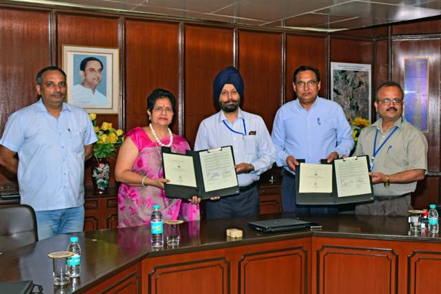 DAV University signs MoU with SCL, Mohali to promote research and innovation