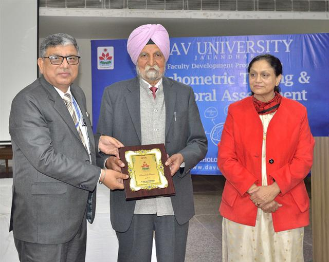 Dr. Johl calls upon teachers to become role model