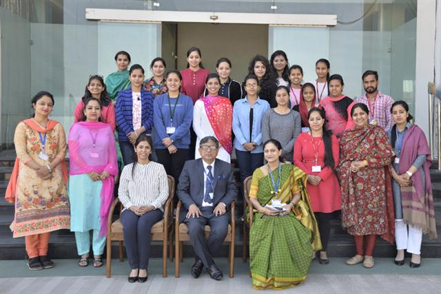 Internationally certified Psychotherapist holds workshop at DAV University