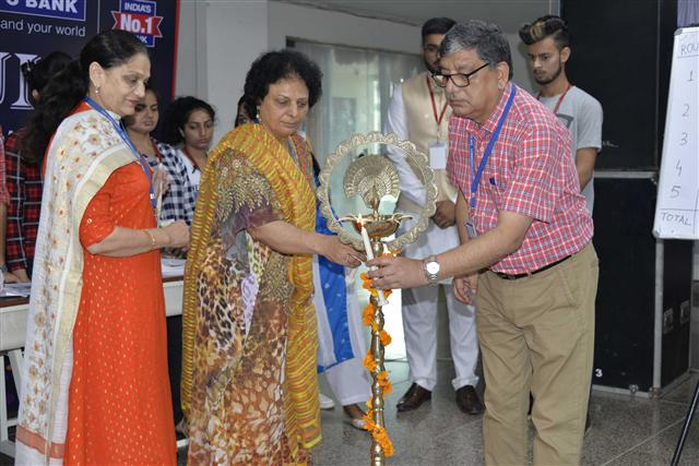 Spectrum at DAV University concludes with music and dance.