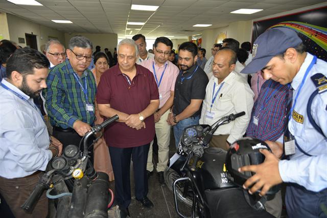 DAVU Chancellor Dr Punam Suri calls upon students to embrace innovation.