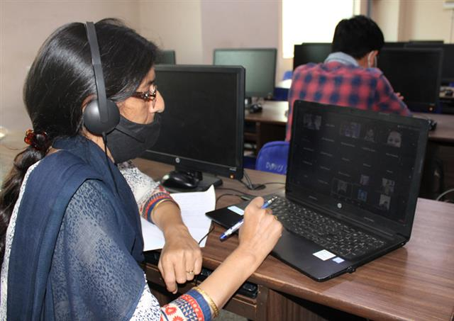 DAV University's Agricultural Department holds webinar on plant genome engineering